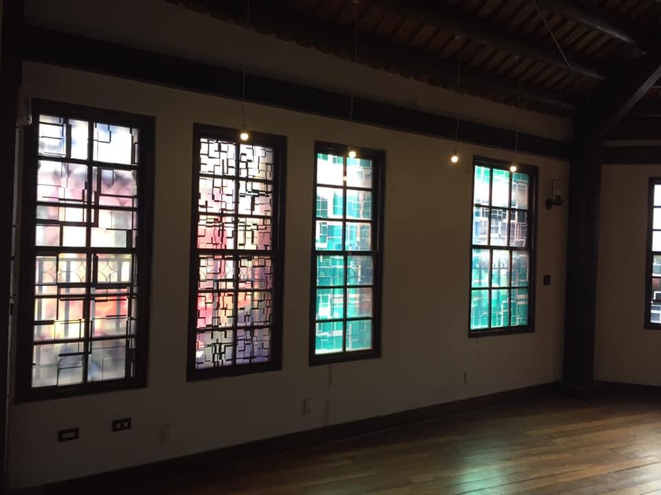 瓦豆:《萬華嬉春》,依稀的老屋影像,透著記憶的微光。/照片由瓦豆We Do Group提供。