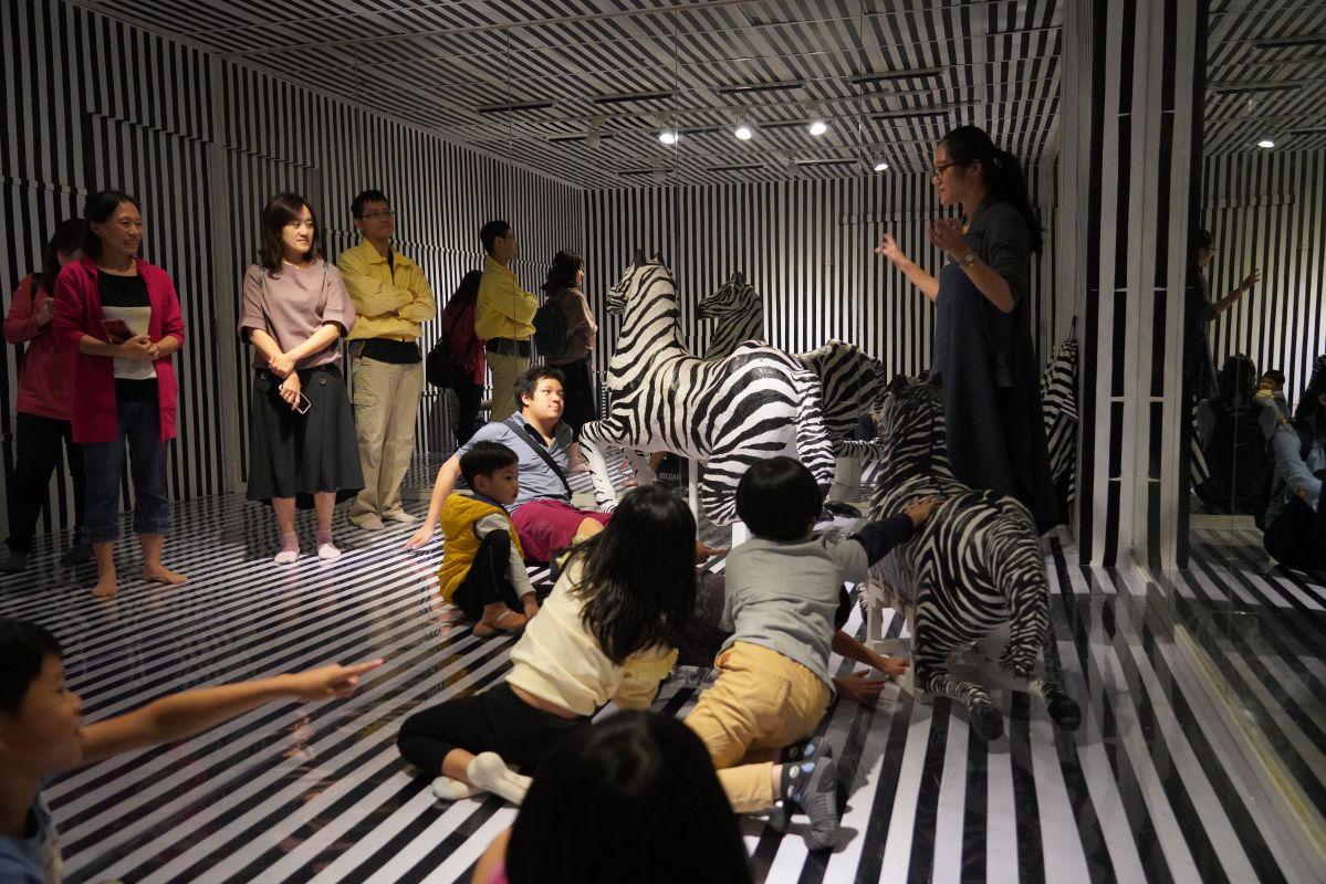 圖說/展覽空間入口處的台灣花磚牆 圖說/展覽空間入口處的台灣花磚牆